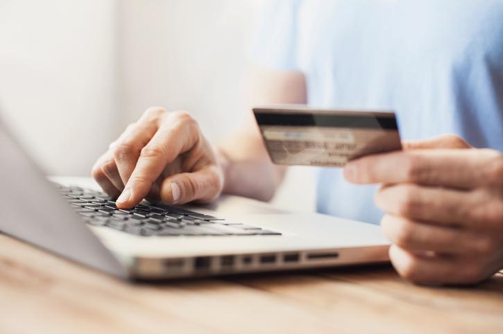 Invertir el doble en tarjetas de crédito: ¿buena o mala idea?