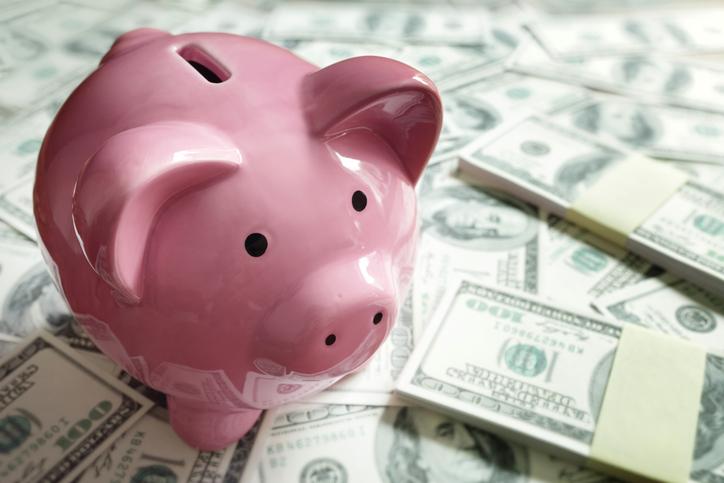 ¿Qué pasa si dejo de usar una cuenta de ahorros y no la cancelo?
