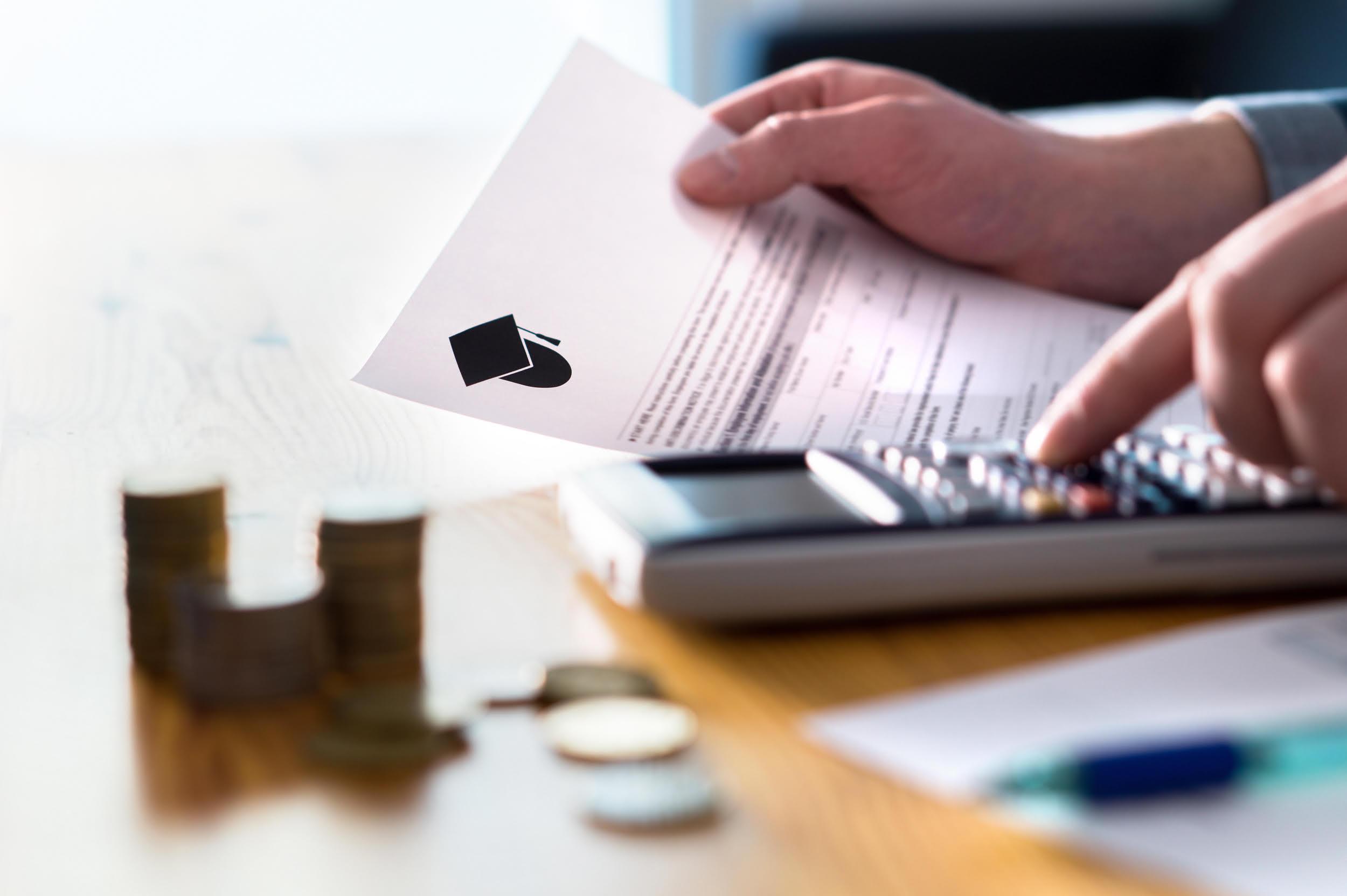 ¿A cuánto pueden ascender los gastos de cierre de un préstamo de consumo personal?