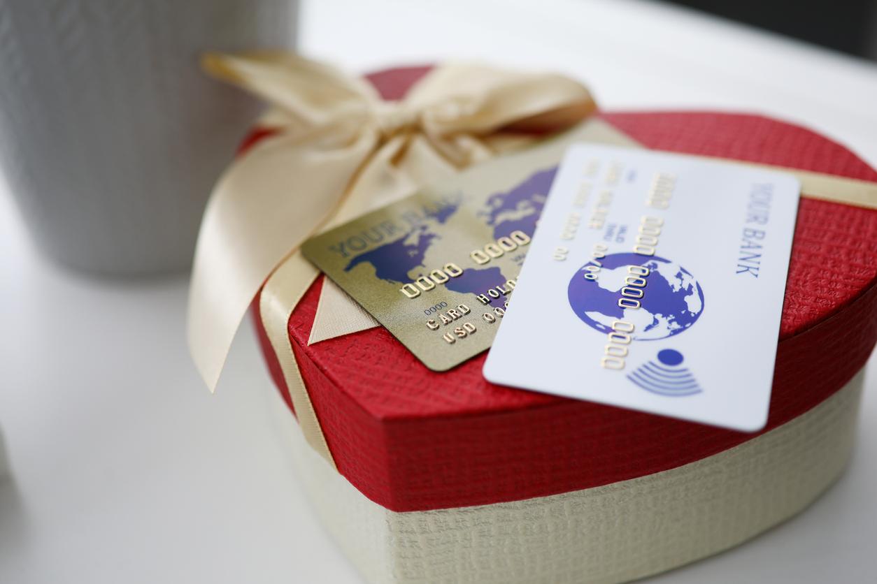Cuida tu bolsillo al comprar regalos de San Valentín